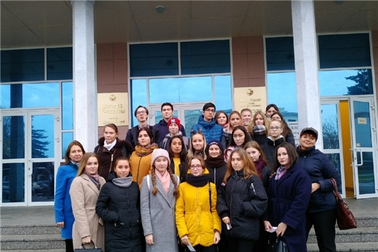 Студенты на творческом конкурсе первокурсников «Перловка»