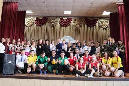 В Чебоксарском профессиональном колледже имени Н.В.Никольского прошло торжественное мероприятие, посвященное Дню защитника Отечества