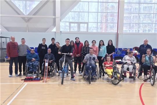 Студенты стали участниками тренировочного занятия  лиц с поражением опорно-двигательного аппарата по игре Бочча