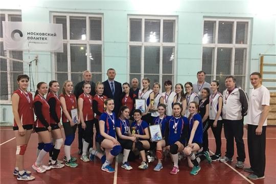Очередная победа команды девушек в турнире по волейболу
