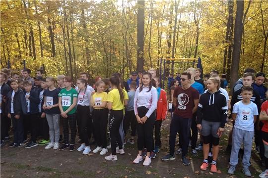 В Берендеевском лесу прошли городские соревнования по легкоатлетическому кроссу среди школьников и студентов ПОО.