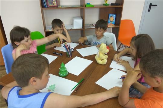 Час детского творчества «Маленькие художники» (Вурманкасинская с/б)