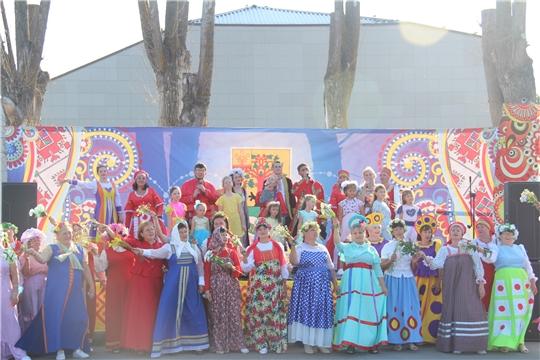 Большой праздничный концерт ко Дню семьи, любви и верности