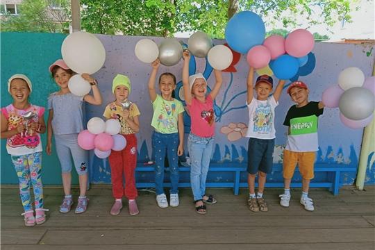 Воздушные шары в гостях у ребят