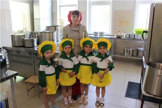 Экскурсия на пищеблок детского сада.