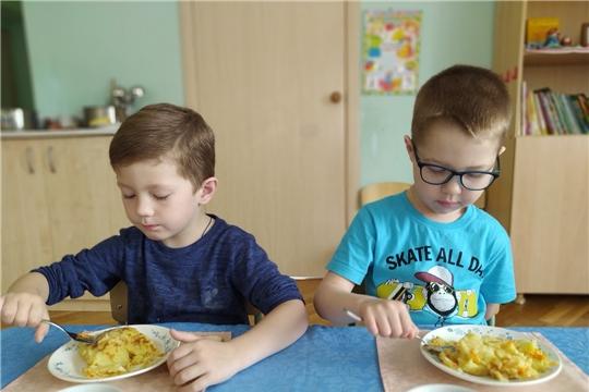 Картофельная запеканка с овощами - одна из любимых запеканок в меню детского сада.