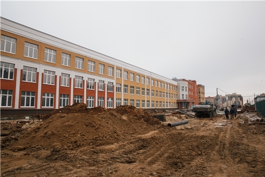 Иван Моторин проинспектировал ход строительства в Чебоксарах нового ледового дворца, двух детских садов и школы на 1600 ученических мест