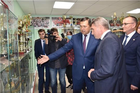 Врио Главы Чувашии Олег Николаев поздравил ХК «Сокол» с 45 летием