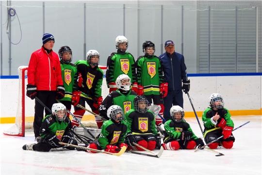 """Хоккейная команда по адаптивному хоккею """"Юман"""" на тренировке"""