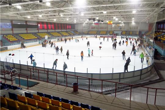 """Ледовый дворец """"Сокол"""" и Региональный центр по хоккею приглашает на массовое катание на коньках"""