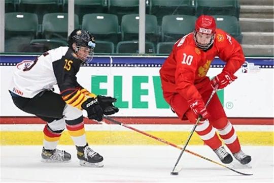 Российские хоккеисты вышли в четвертьфинал юниорского ЧМ