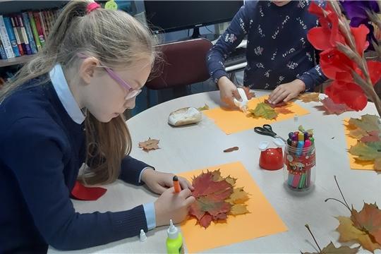 Эльбарусовская сельская библиотека провела праздничную программу «Вот и осень к нам пришла»
