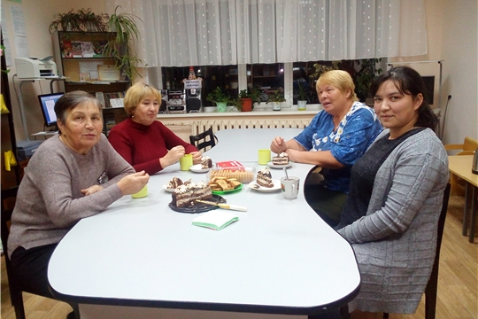 Шоршелская сельская библиотека пригласила читателей-пенсионеров на вечер сердечной беседы «Всё согрето теплом ваших глаз»