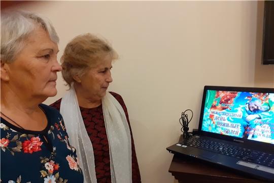 Урок компьютерной грамотности «Компьютер: создание презентаций!» прошел в Октябрьской сельской библиотеке
