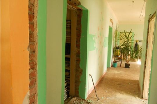 07.05.2020 Замена окон в читальном зале (выходящих на улицу) и демонтаж внутренних дверей