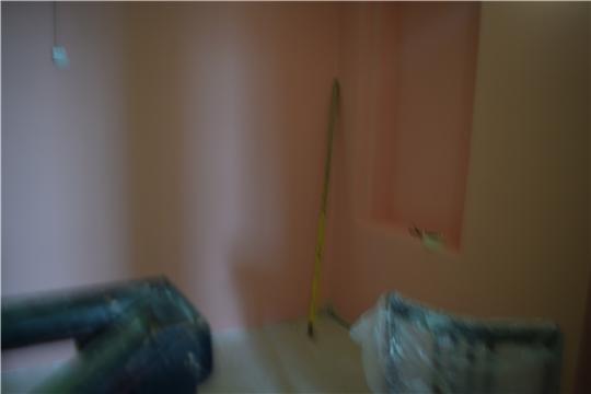02.06.2020 Грунтование стен под покраску, окраска стен, затирка швов у половой плитки