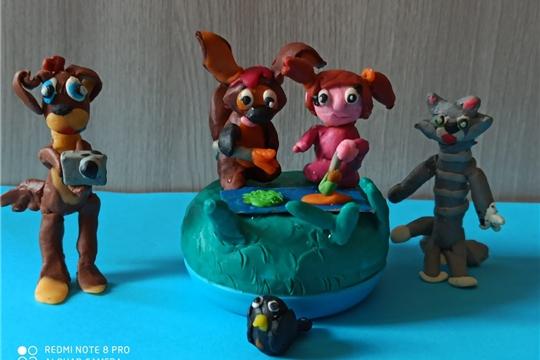 Ко Дню рождения киностудии «Союзмультфильм» состоялась выставка «Пластилиновый мир героев мультфильмов», автором которой является активный пользователь Сотниковской сельской библиотеки