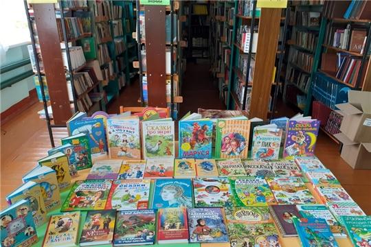 Библиотечный фонд Октябрьской сельской библиотеки пополнился новыми книгами