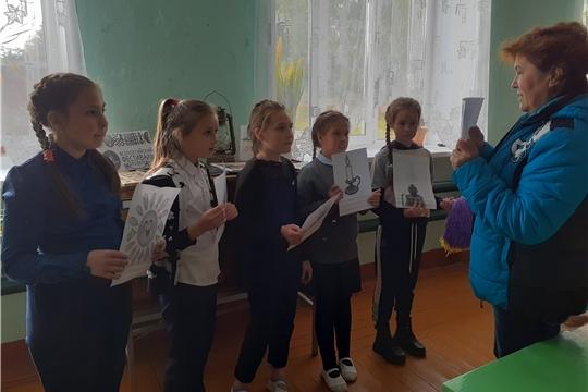Октябрьская сельская библиотека провела познавательный час для детей «От лучины до лампочки»
