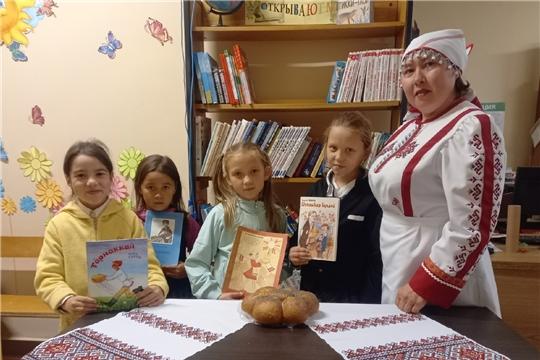 В Сотниковской сельской библиотеке прошел час познания «Хлеб - всему голова»
