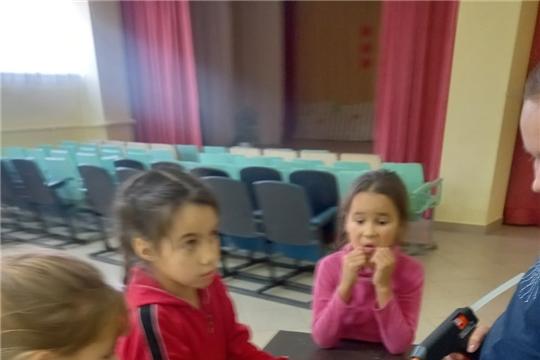 """В Сотниковской сельской библиотеке прошел мастер-класс """"Осенние поделки из природных материалов"""""""