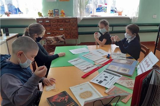 Краеведческий час «Азбука вышивки» прошел в Октябрьской сельской библиотеке