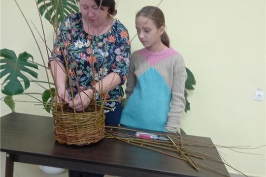 Мастер-класс по лозоплетению «Магия ивового прута» прошел в Сотниковской сельской библиотеке
