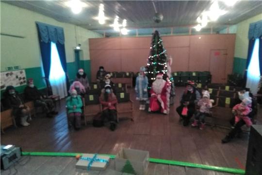 В д.Сятракасы прошла конкурсно-игровая программа «Новогодняя карусель»