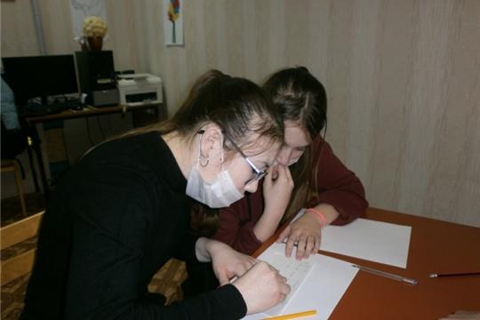 Познавательная беседа «История Новогодней Елки» прошла в Карабашской сельской библиотеке