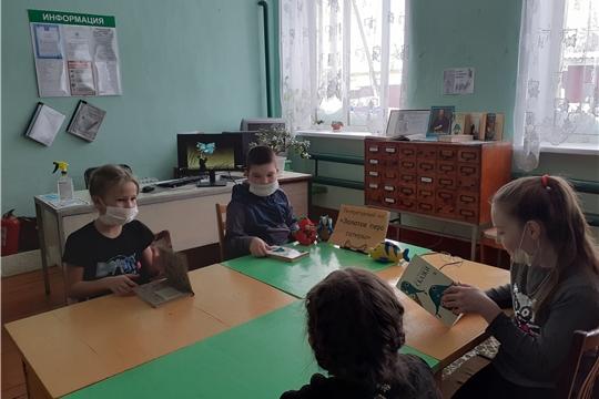 Литературный час «Золотое перо сатиры» прошел в Октябрьской сельской библиотеке