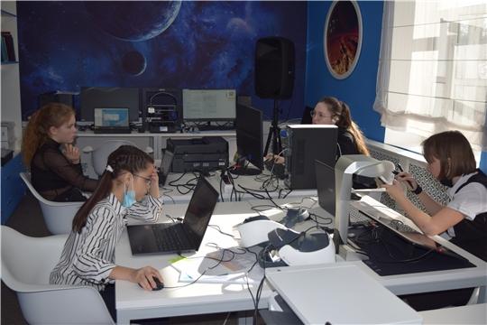 В медиаLab лаборатории при центральной районной библиотеке Мариинско-Посадского района прошли занятия, посвященные космической тематике.