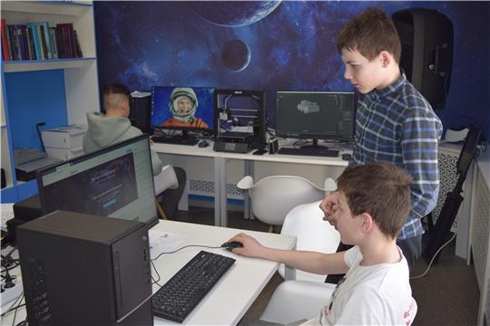 В МедиаLab лаборатории при центральной районной библиотеке Мариинско-Посадского района участники старшей группы кружка стали изучать программу 3D моделирования Blender.