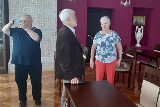 Центральную районную библиотеку посетили автор проектов «Гагаринский прорыв – города будущего»