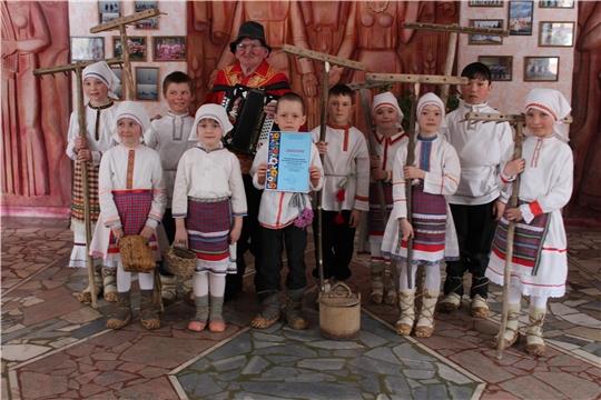 Детский фольклорный коллектив- спутник «Кунер» Сюндюковского СДК принял участие в фестивале — конкурсе детского художественного творчества «Черчен чечексем» («Цветы Чувашии»)