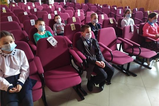 В Большешигаевском Доме культуры состоялся исторический час «Крым – Россия: вместе навсегда»