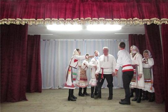 В Первочурашевском ЦСДК состоялась развлекательная программа «Пусть будет мир, весна и труд неразделимы»