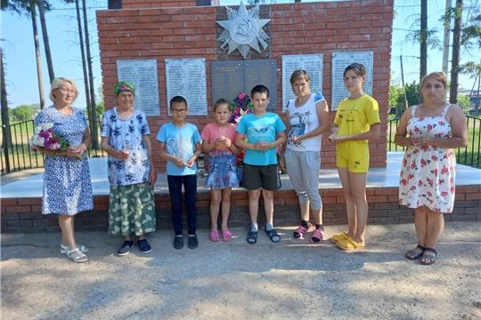 Работники культуры Эльбарусовского ЦСДК провели акцию «Свеча памяти»