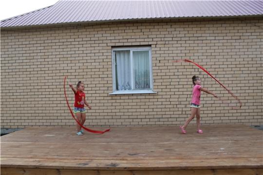 Мир гимнастики и пластики в танце с лентами