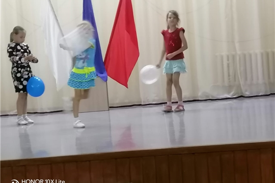 "Познавательная программа ""Флаг державы - символ славы"" в Шоршелском ЦСДК."