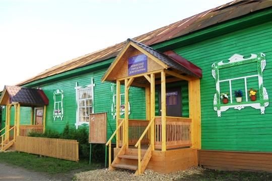 В Новинском городском доме культуры провели косметический ремонт кружкового кабинета и дворовой территории