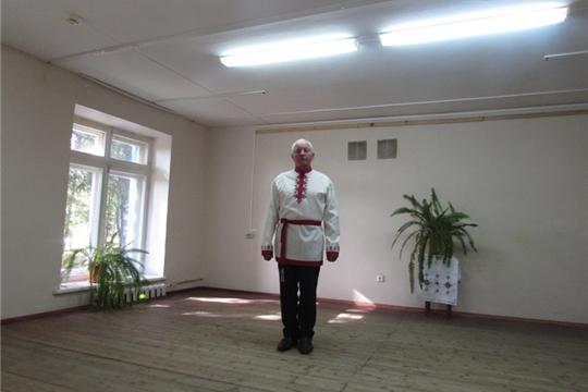 Участник  VIII  Межрегионального конкурса исполнителей  народной песни «Ай, юрлар-и!» («Пой, душа!») имени Ираиды Вдовиной