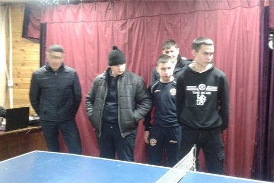 В Эльбарусовском центральном сельском Доме культуры провели соревнование по настольному теннису «Молодежь за здоровый образ жизни»