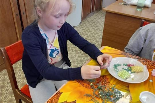В Приволжском городском Доме культуры прошло познавательное мероприятие для детей « Бисерная сказка»