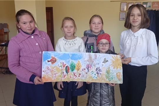 В Сотниковском сельском Доме культуры для детей провели мастер-класс «Рисуем листьями»