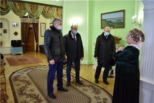 Министр промышленности Чувашии посетил музей