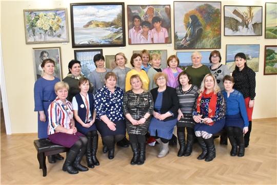 Учителя чувашского языка посетили музей и галерею