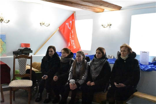 """Выставку """"О тихом подвиге в тылу..."""" посетили учащиеся МБОУ """"Эльбарусовская СОШ"""""""