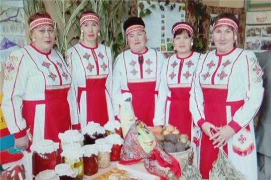 Работники культуры Испуханского сельского поселения приняли участие в акциях, посвященных Дню чувашской вышивки