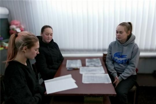 Познавательная беседа «Героические страницы Сурского и Казанского оборонительных рубежей» в Большеатменском СДК
