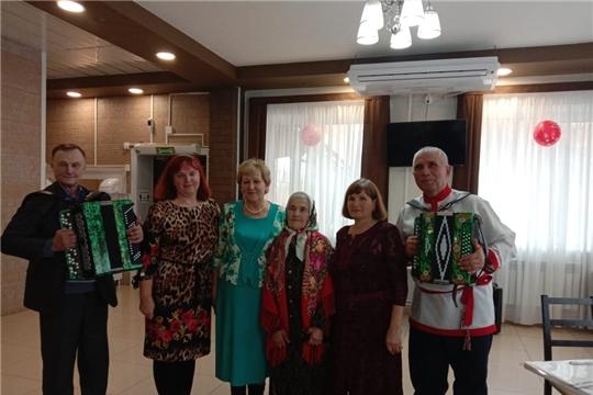 Участники хора ветеранов РДК на праздновании 100-летнего юбилея Перасковии Васюковой